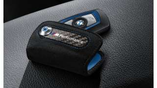 BMW M Performance Schlüsseletui aus Alcantara/Carbon